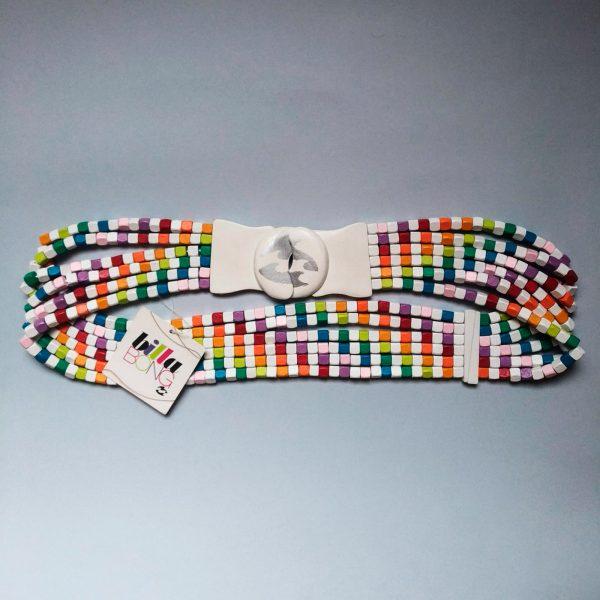 cintura in legno multicolore Billabong su sfondo grigio